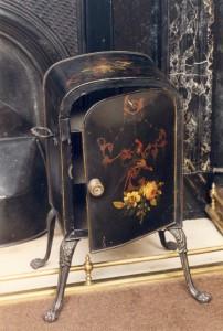 Tin Plate Warmer, c. 1820 (MHM 2002.2430)