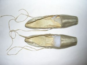 Silk slippers, 1820-1830, MHM 2002.1152